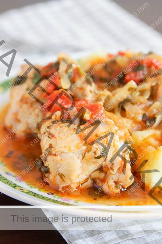 Pollo guisado chicken recipe quick and easy puerto rican recipes forumfinder Image collections